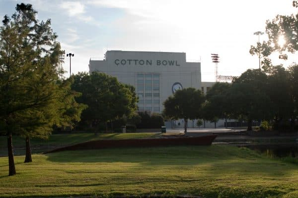 The historic Cotton Bowl hosts the 2020 NHL Winter Classic.