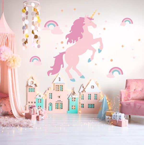 Kids room with unicorn wall decal.